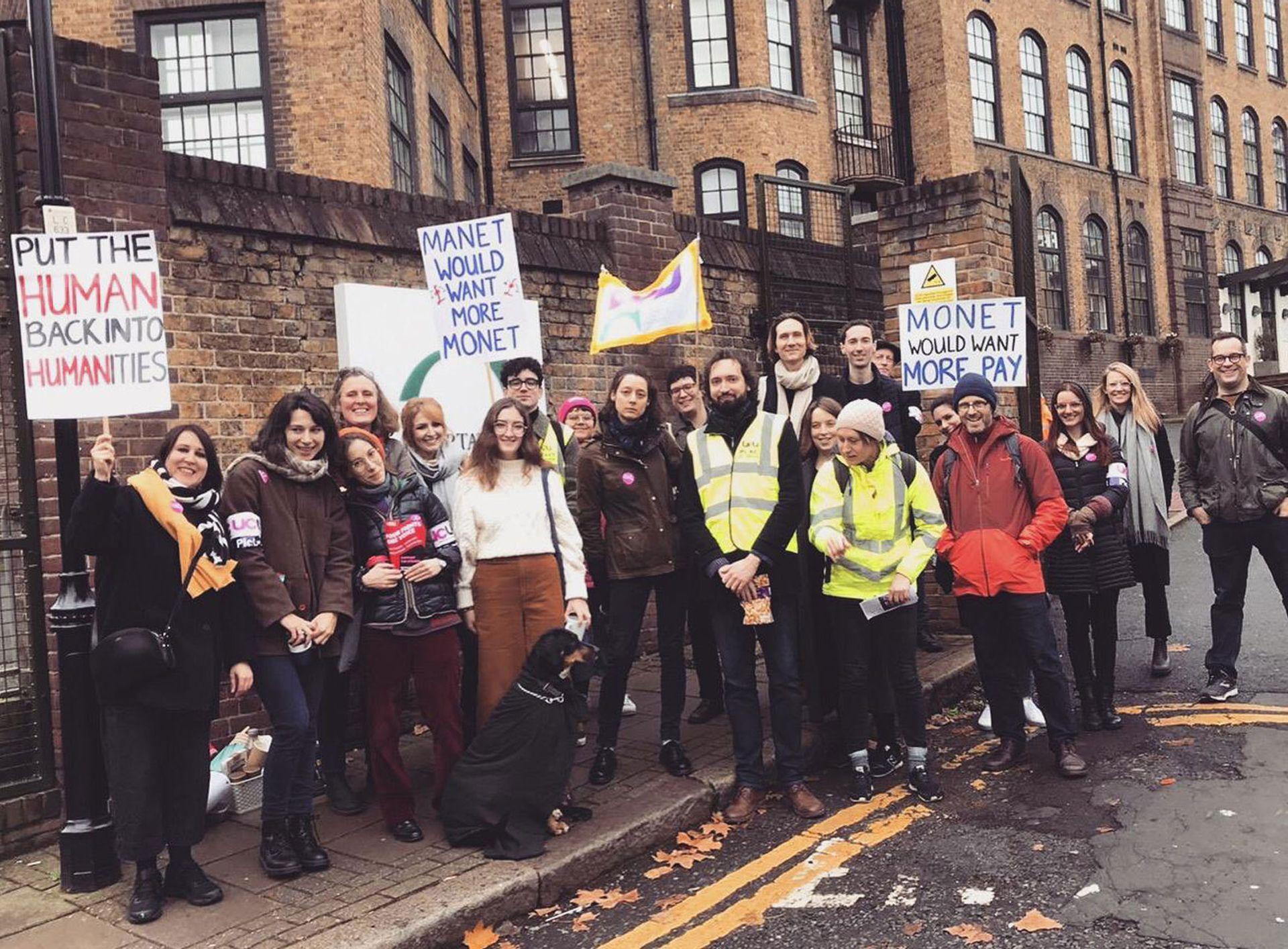 Courtauld Institute of Art staff on strike