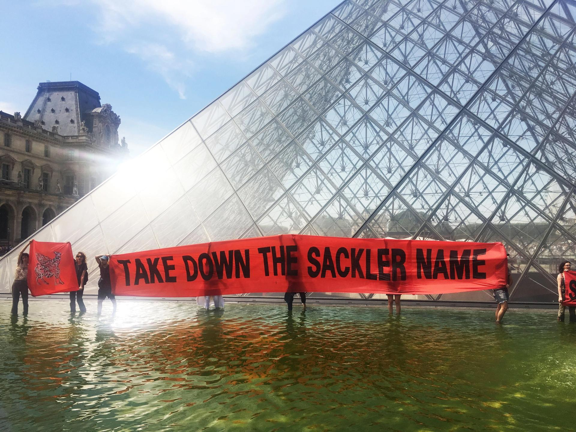Pain protested outside of the Louvre in Paris Photo courtesy of Pain