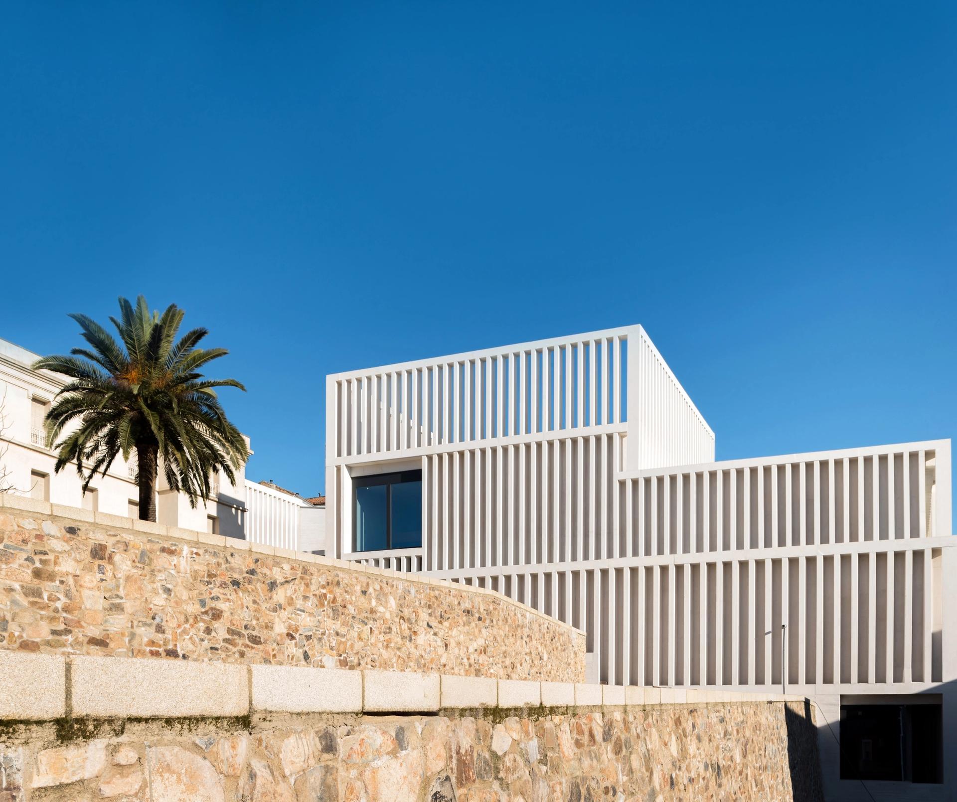 The Museum of Contemporary Art Helga de Alvear Photo: Amores Pictures