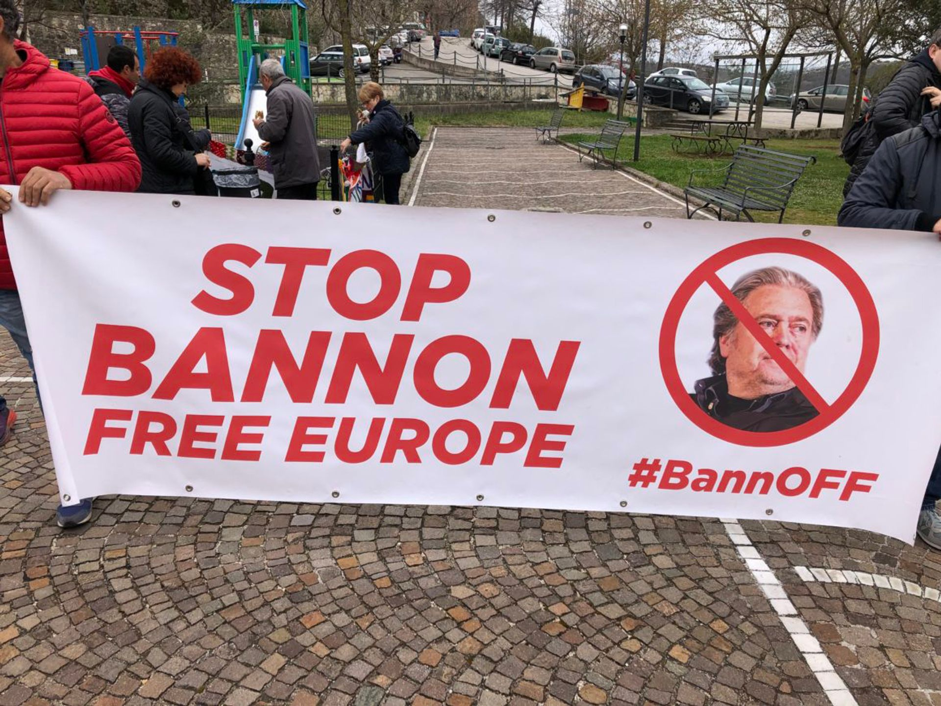 Protesters in Collepardo, Italy, protest against Steve Bannon and his initiative to create a populist academy in the Trisulti monastery © Giada Zampano