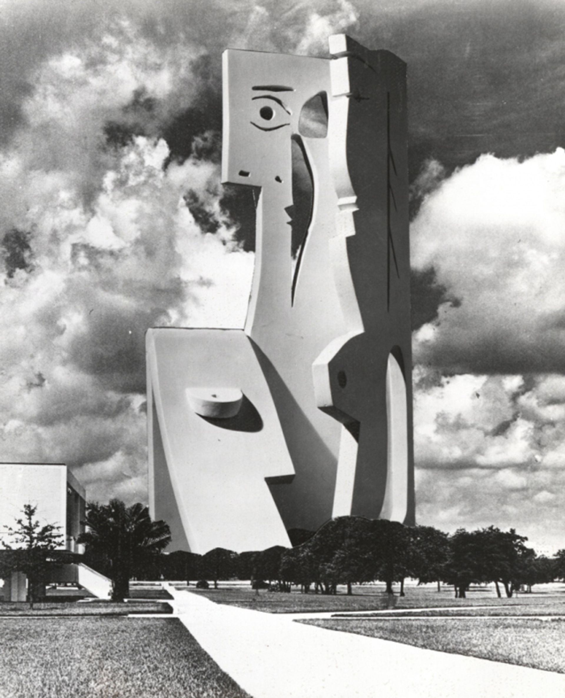 Photomontage of design for Bust of a Woman at the USF campus made by Picasso's collaborator Carl Nesjar in 1971 USF Center for Virtualization and Applied Spatial Technologies/ Advanced Visualization Center
