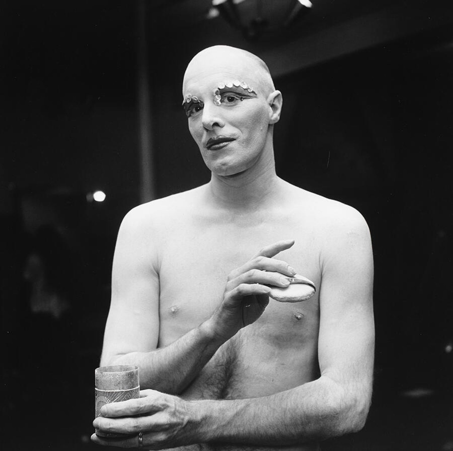Peter Hujar, Larry Ree Backstage (II) (1973) © 1987 The Peter Hujar Archive LLC; courtesy: The Peter Hujar Archive and Maureen Paley, London