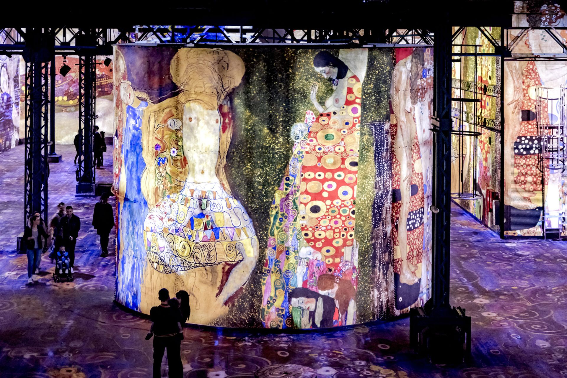 More than 1.2 million people experienced the 30-minute immersive exhibition of Gustav Klimt's paintings at the Atelier des Lumières in Paris © Culturespaces/E. Spiller