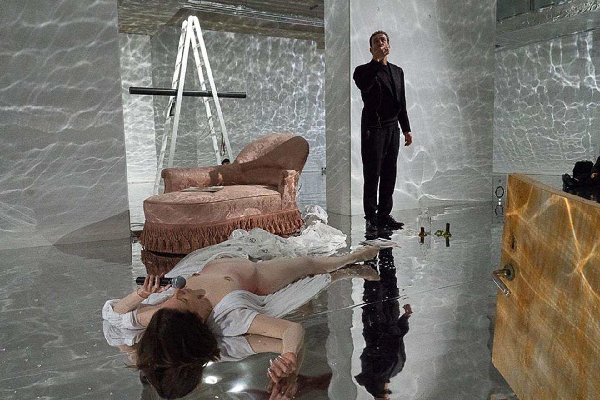 Sophie Jung performing The Bigger Sleep rehush (hush) (2019) Courtesy Block Universe, Photo: Manuela Barczewski.