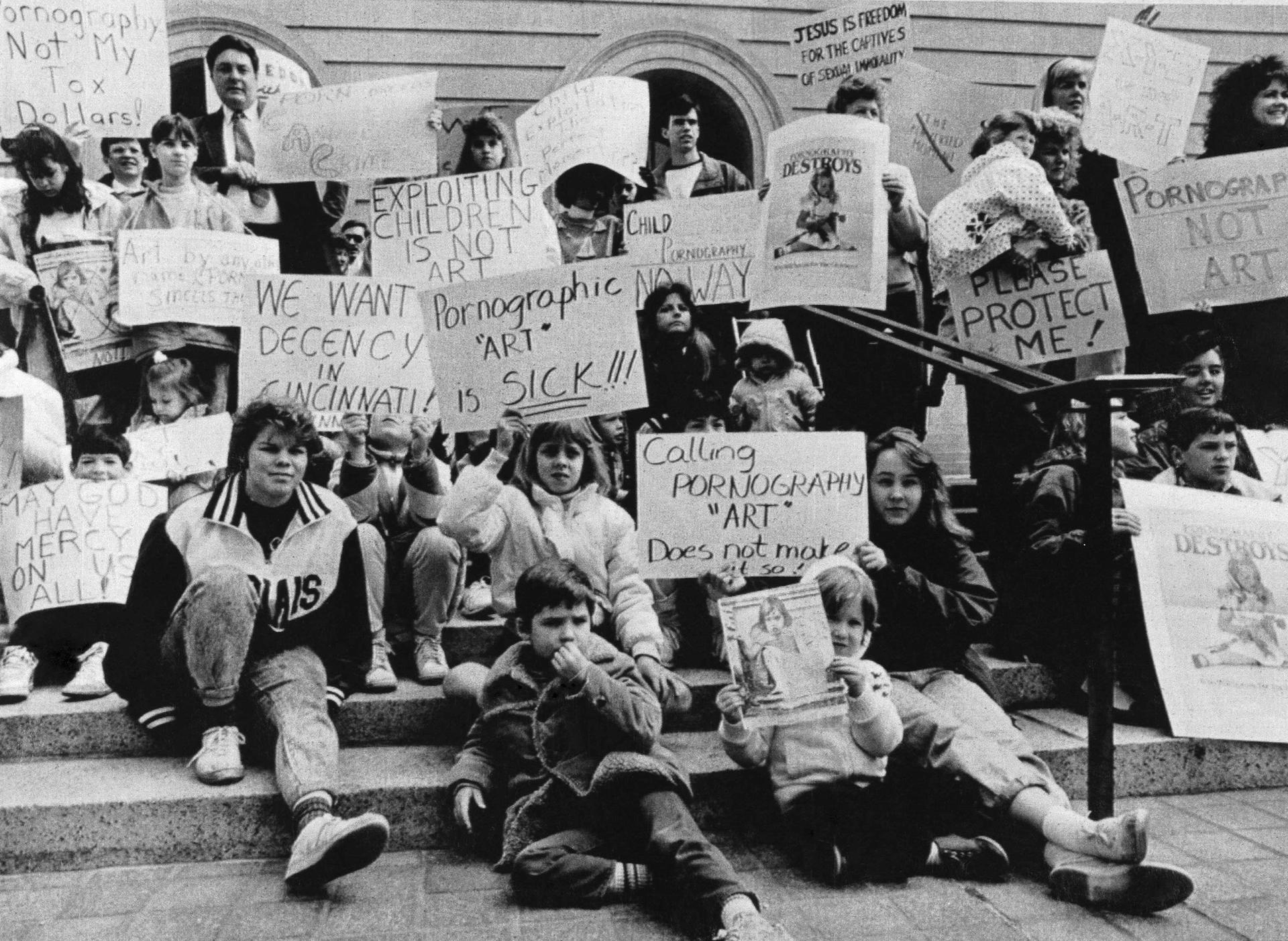 Hundreds of anti-porn protesters gathered outside the Hamilton County Courthouse to protest the Robert Mapplethorpe photo exhibition in Cincinnati Photo: Bettmann