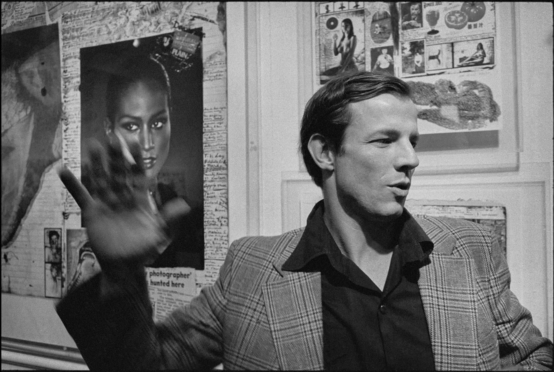 Peter Beard at the opening his exhibition at New York's International Center of Photography in 1977 © Photo: Chuck Fishman/Getty Images