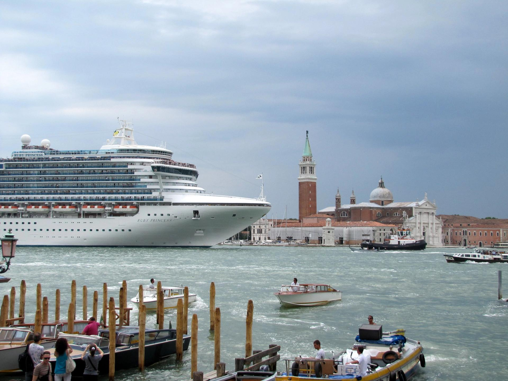 Cruise ships were banned in Venetian ports this month © Flickr / Dan Davidson