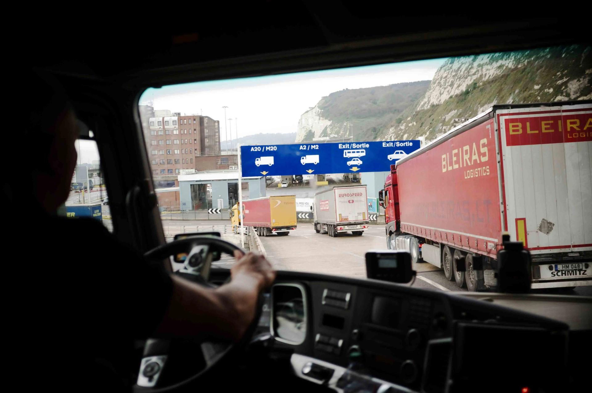 A lorry leaves Dover port after finally disembarking from the ferry from Calais to the UK © Phil Wills / Alamy Stock Photo
