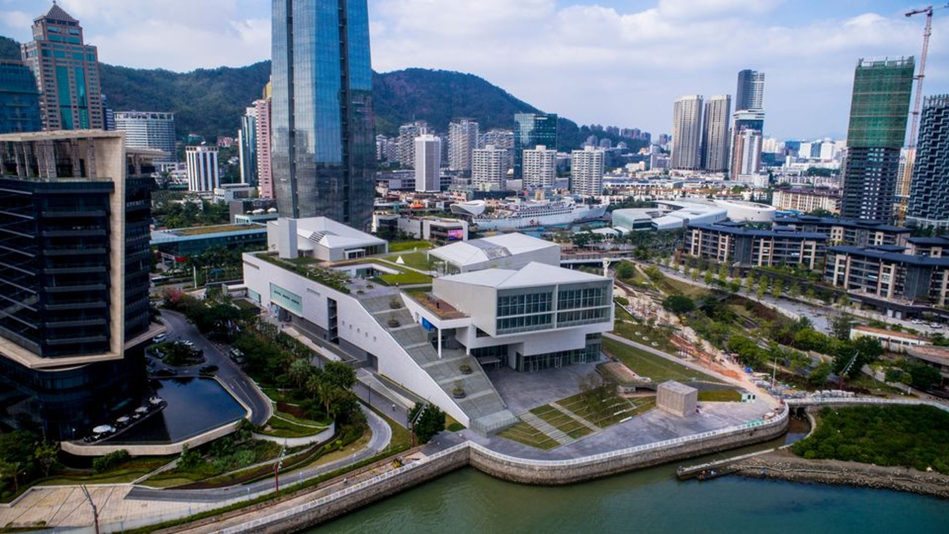 Design Society, the museum project developed by China Merchants Shekou and the V&A in London opened in 2017 Design Society
