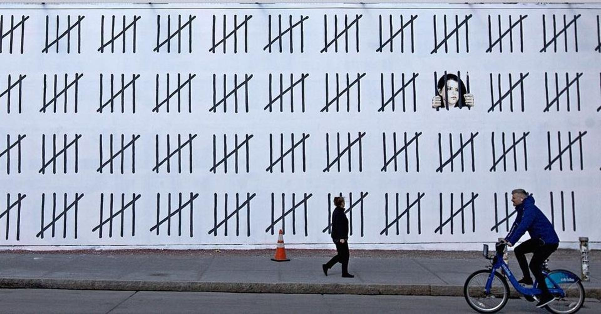 In March, Banksy and the graffiti artist Borf unveiled a 70ft mural in New York protesting against Dogan's arrest varius