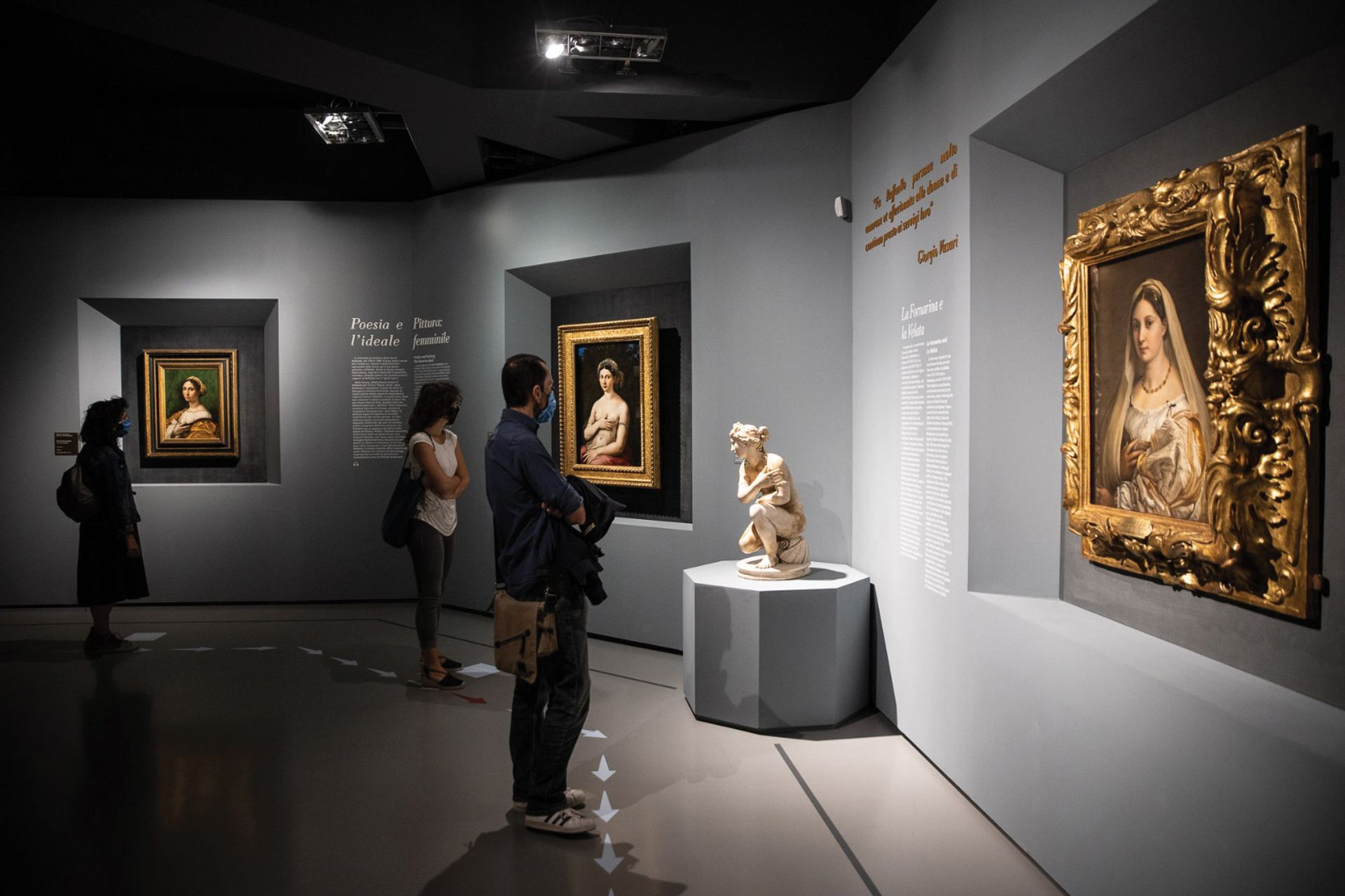 Socially distanced visitors taking in Raphael's masterpieces at the Scuderie del Quirinale in Rome © Alberto Novelli