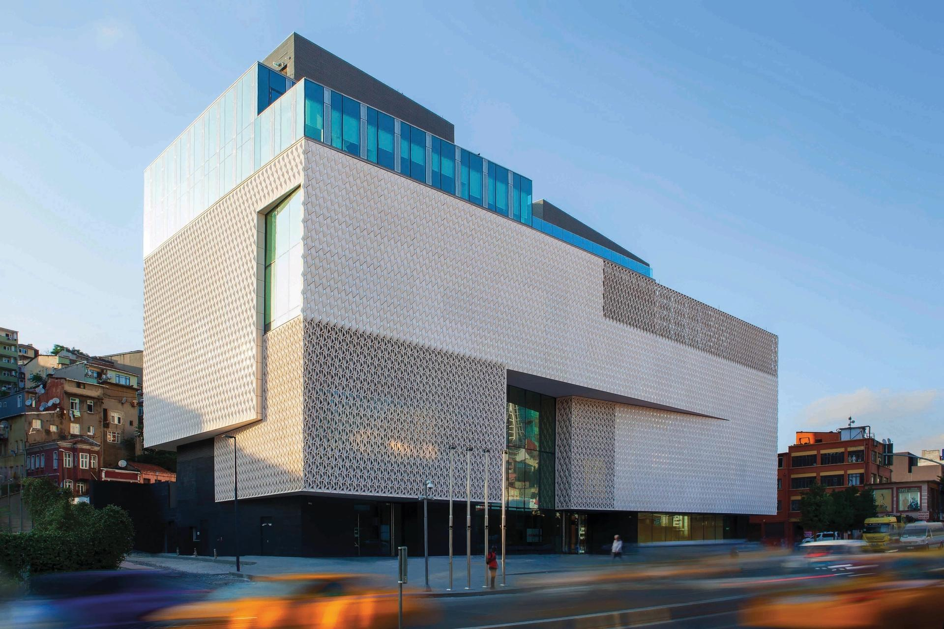 Arter's new building includes  3,000 sq. m space of galleries, two theatres and a sculpture terrace © FluPhoto, courtesy of Arter
