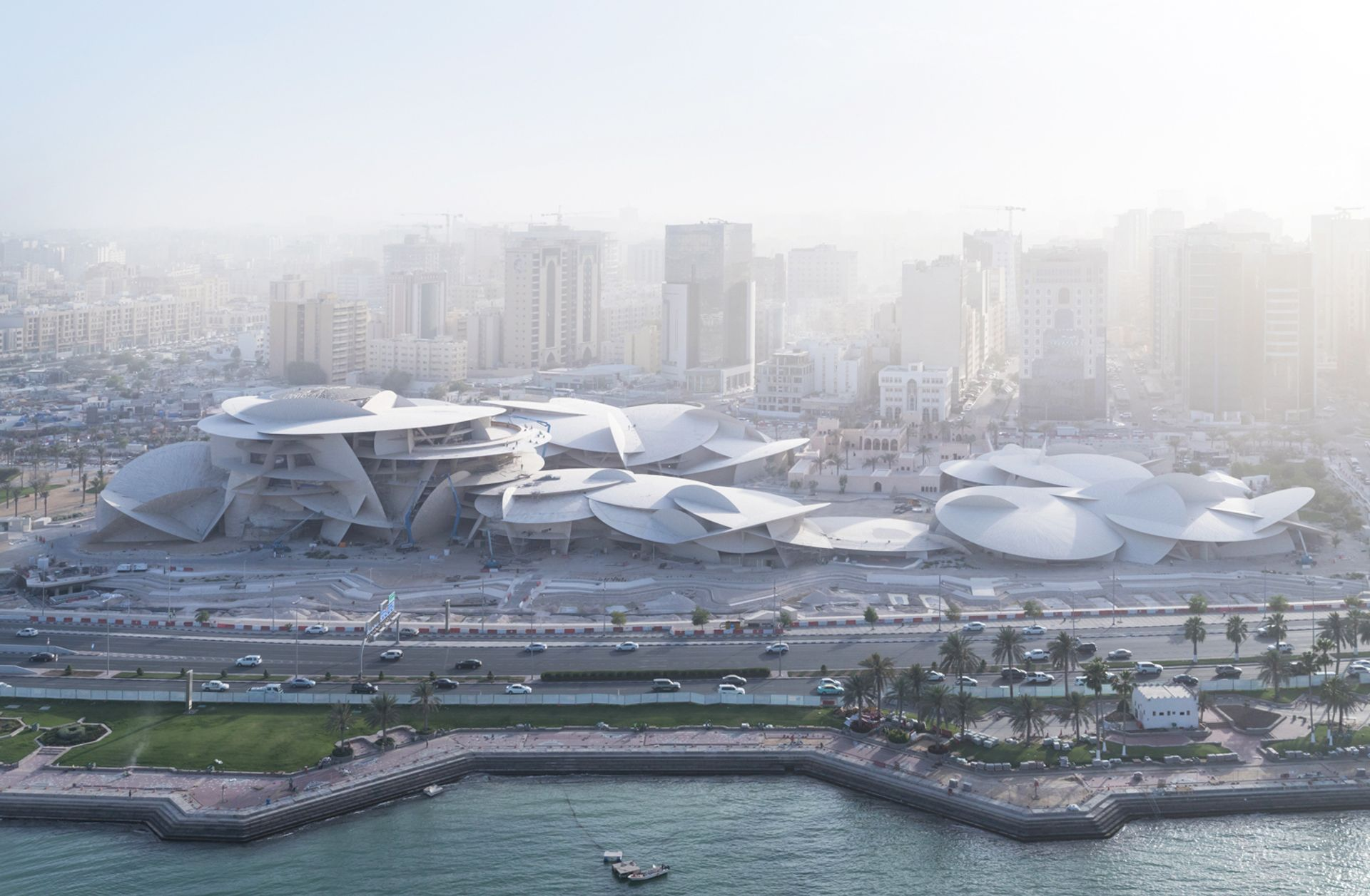The National Museum of Qatar under construction © Iwan Baan