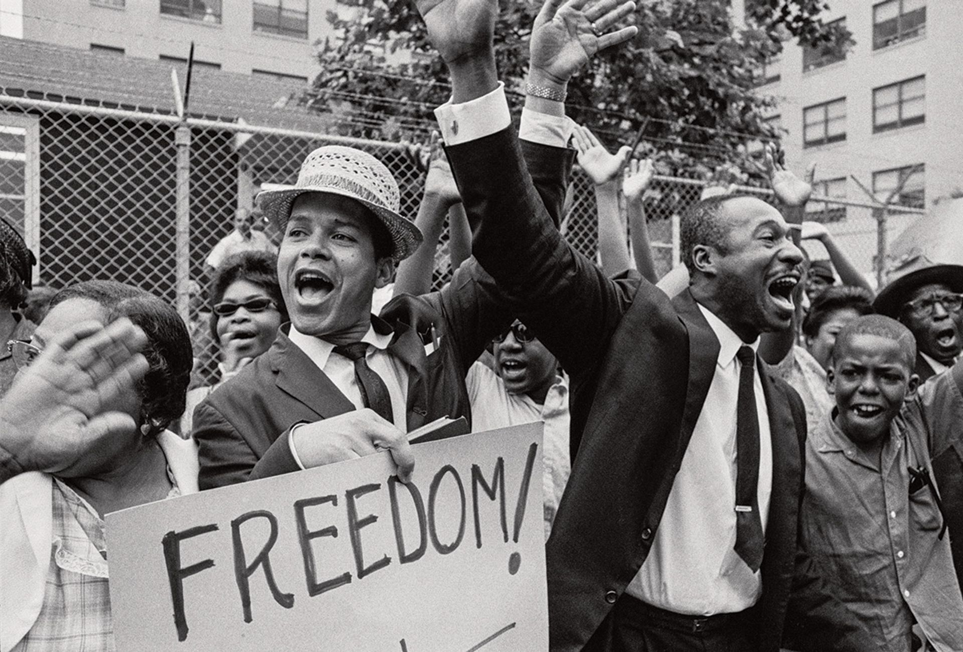 African Americans in a 1963 protest demanding access to construction jobs © Bob Adelman