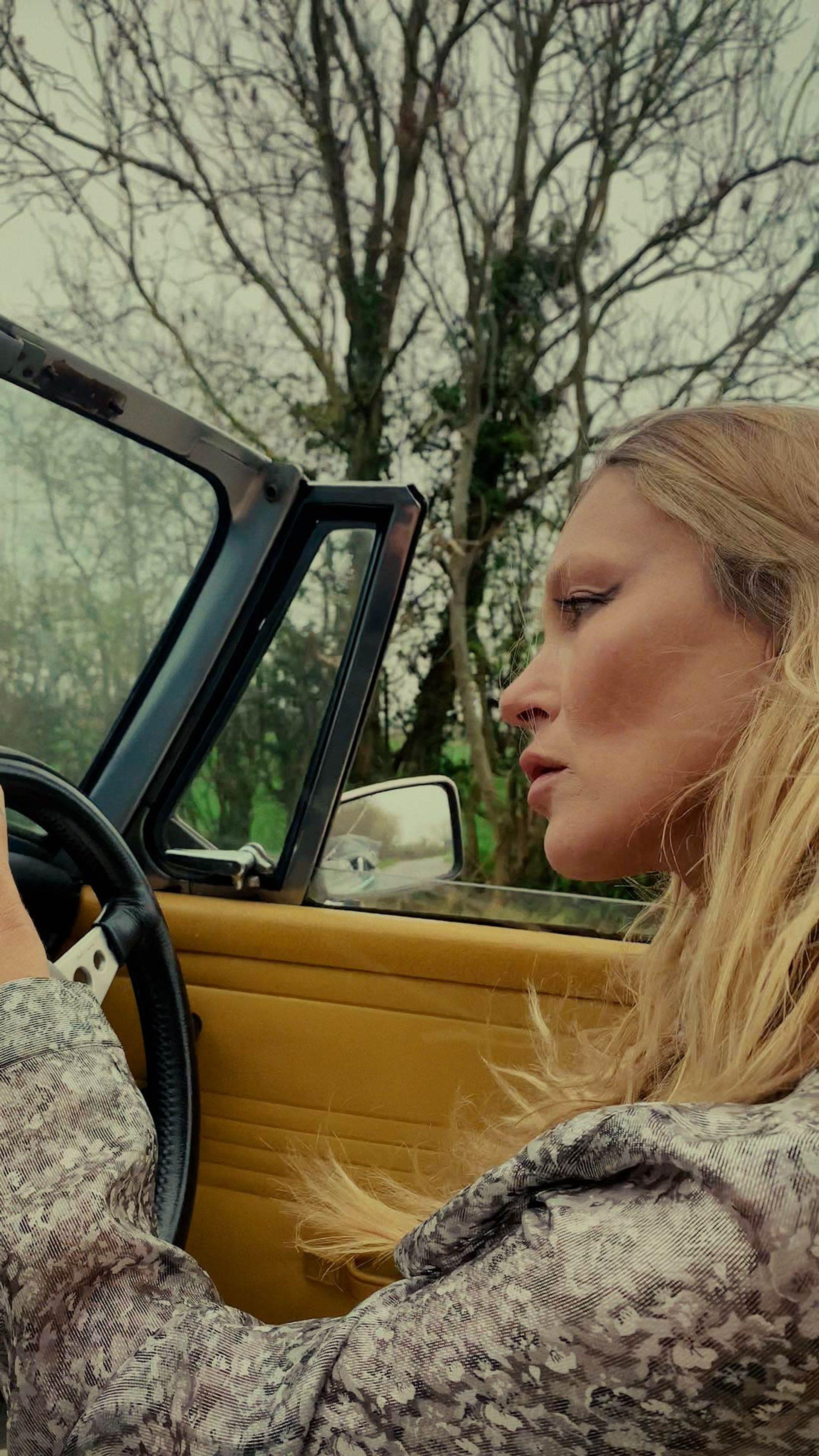 Kate Moss courtesy @MITNFT