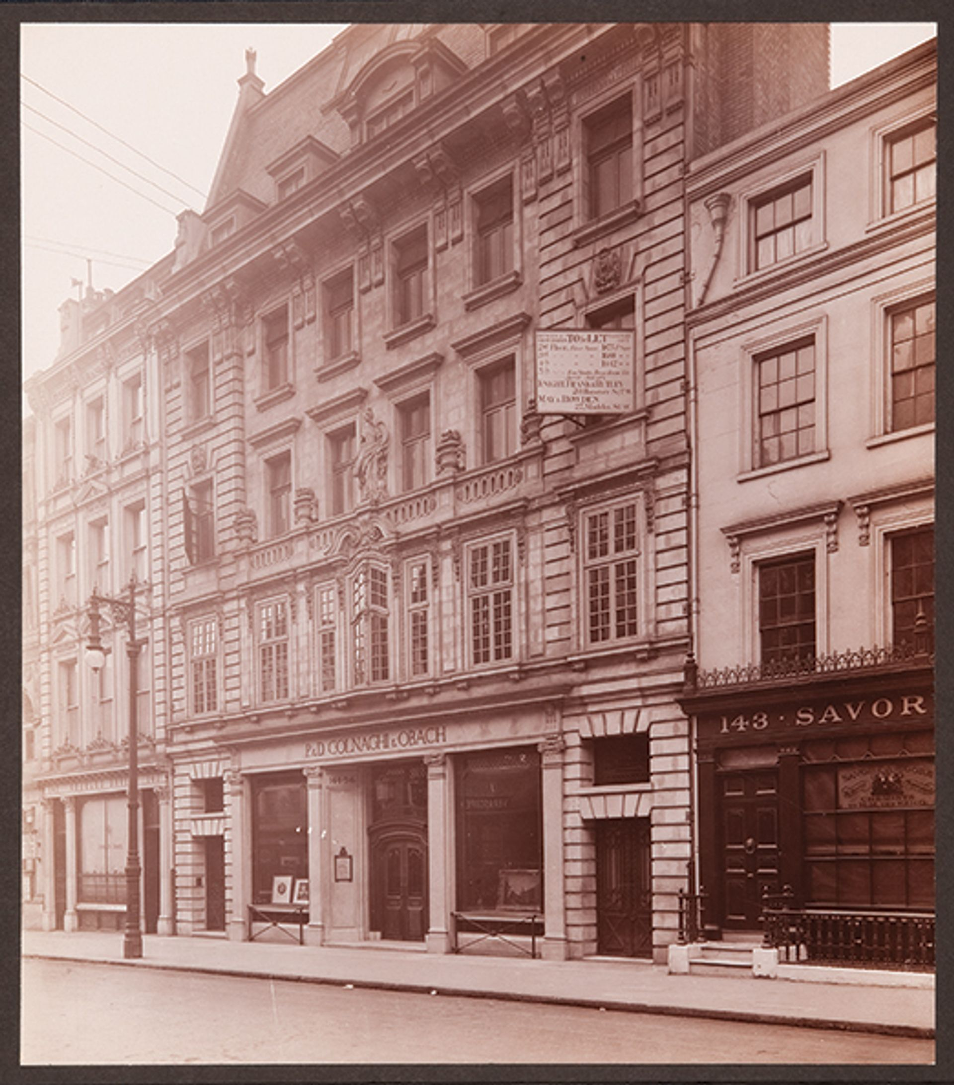 Colnaghi, on New Bond Street in 1912, offered clients discounts Courtesy of Colnaghi