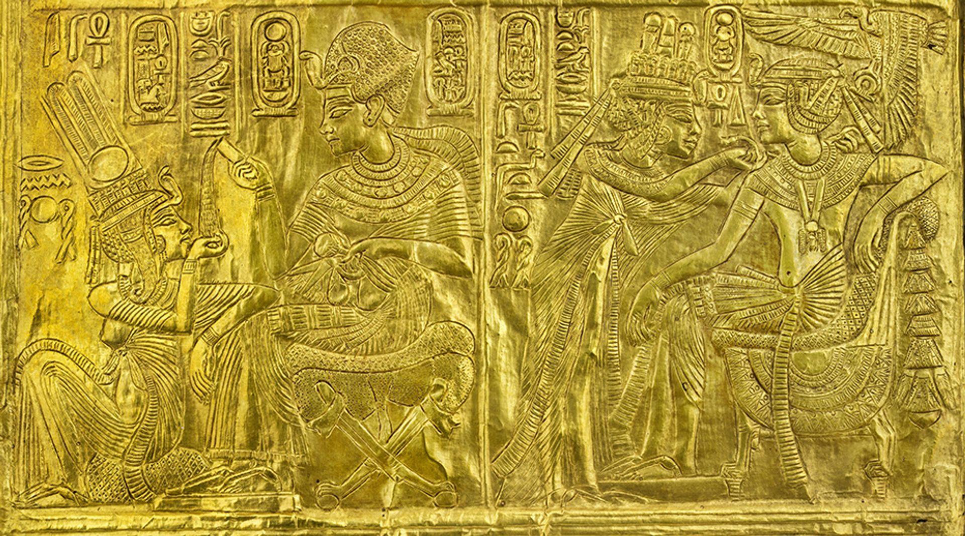 GIlded wooden shrine with scenes of Tutanhkhamun Ankhesenamun Laboratoriorosso Viterbo Italy