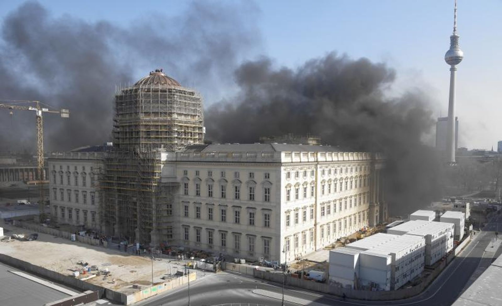 Police said there was no evidence of a deliberate arson attack © Webcam/Humboldt Forum