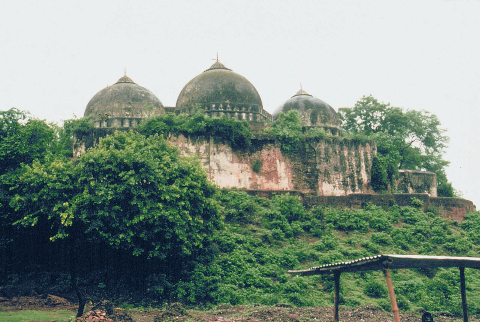 The Babri Masjid in Ayodhya was torn down by Hindu extremists in 1992 ©Frederick M. Asher