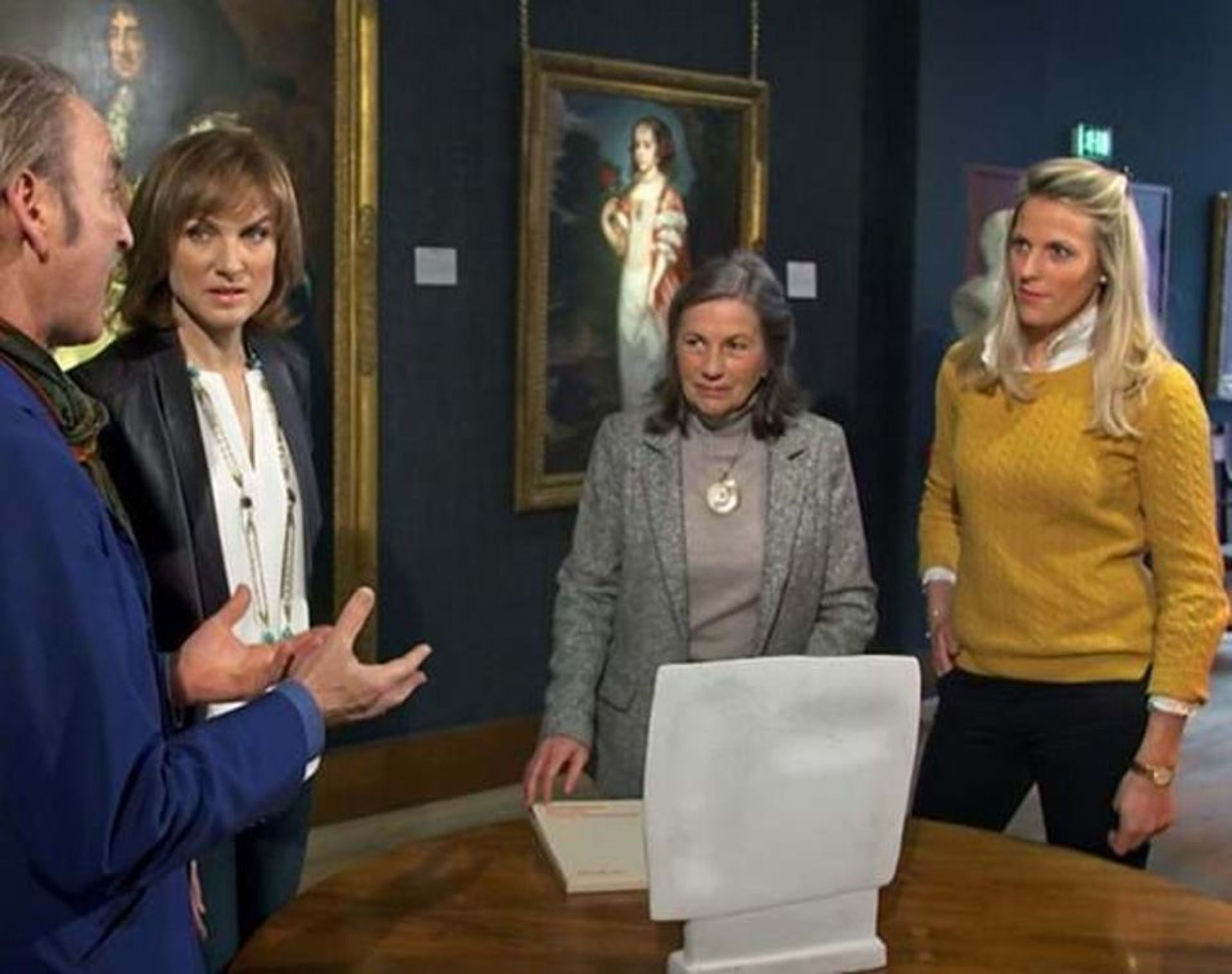 Art dealer Philip Mould and Fake or Fortune? presenter Fiona Bruce attempt to authenticate a possible Giacometti sculpture brought by then-owner Claire Clark-Hall with her daughter Henrietta Plunkett © BBC