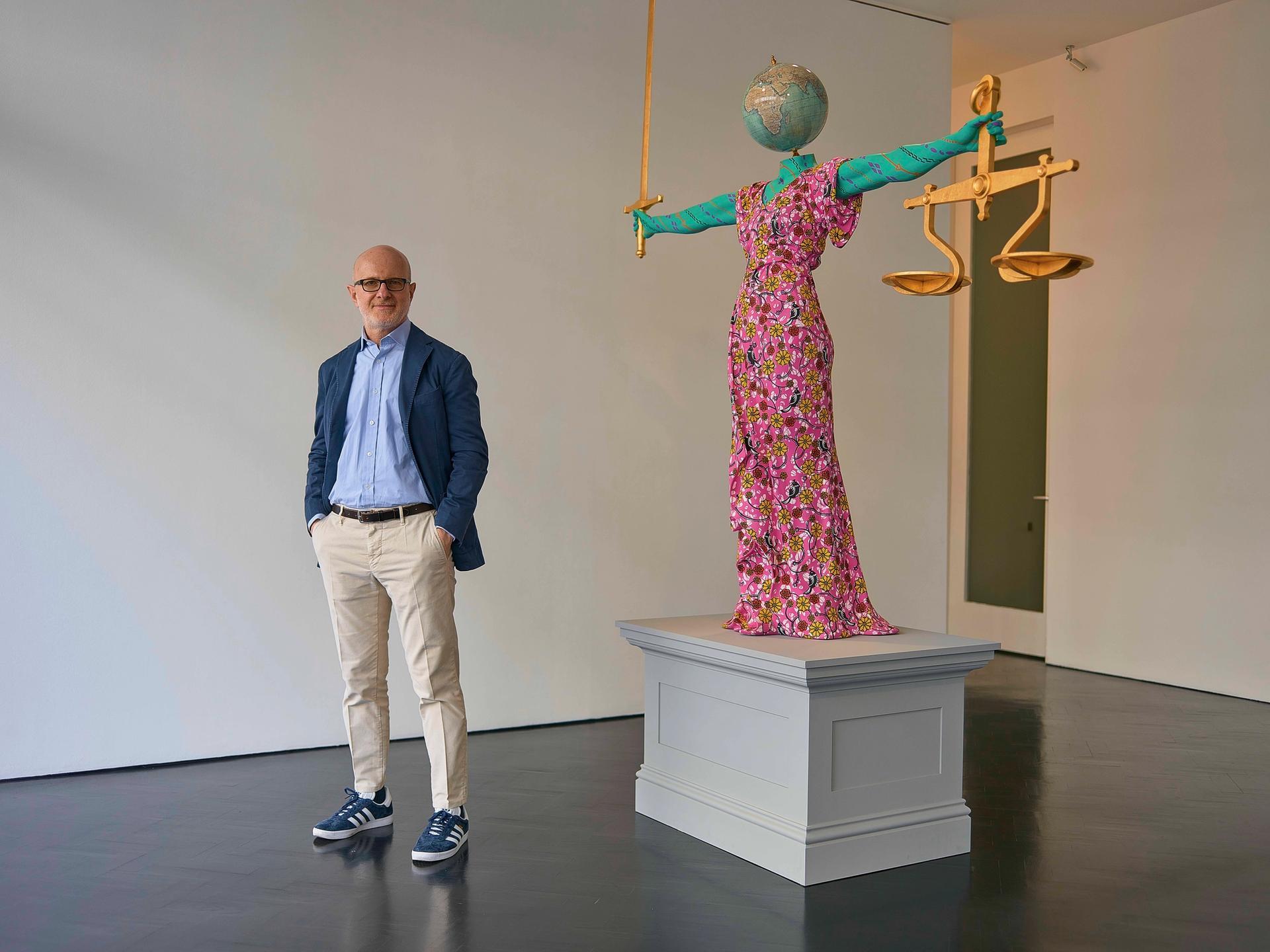 Stephen Friedman with a Yinka Shonibare work in his gallery © Tom Jamieson