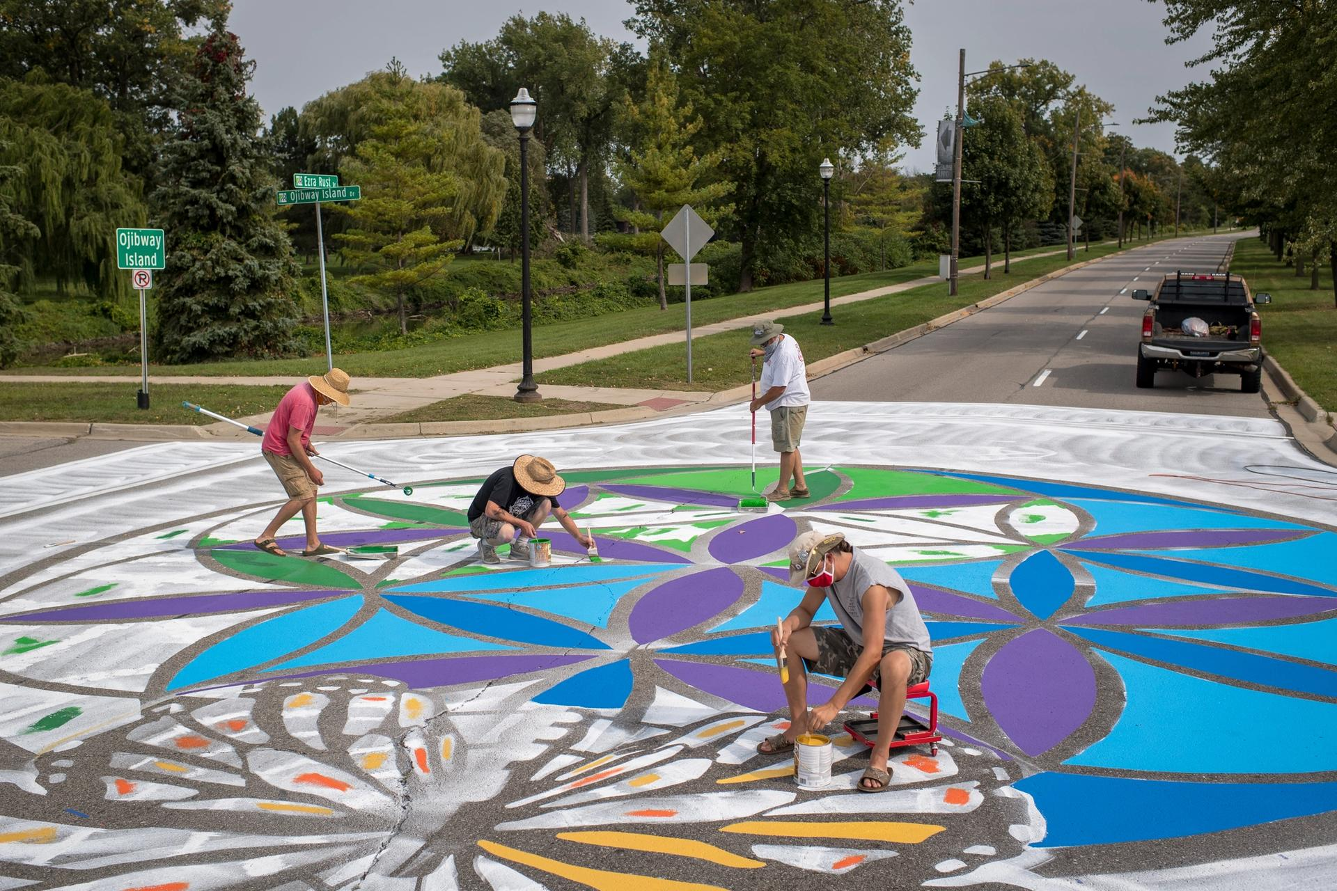 The street mural in Saginaw, Michigan, by the artist Stephen Hargash, with assistance from Tristan Zamora Photo: Nick Antaya