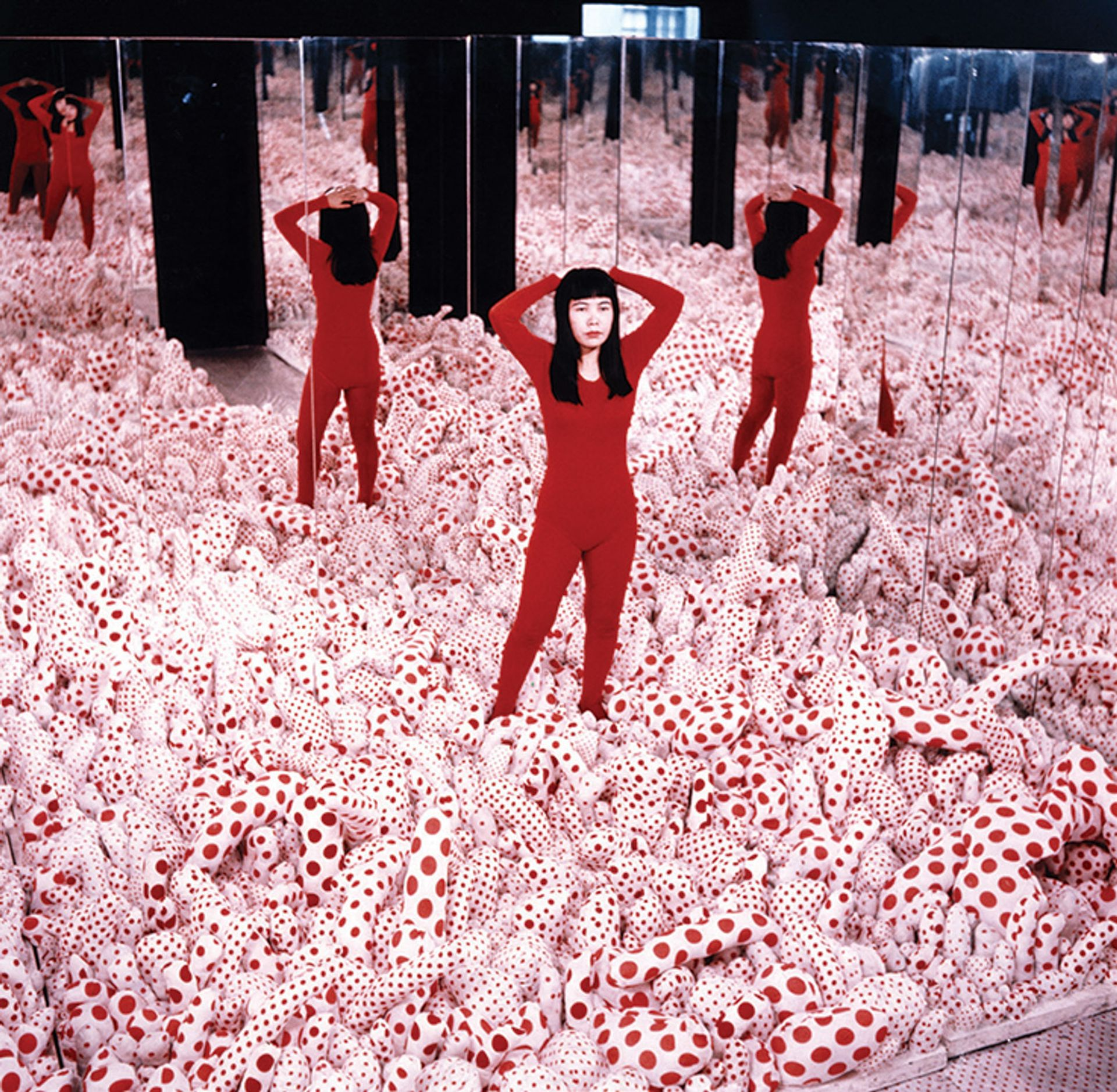 Yayoi Kusama's Infinity Mirror Room – Phalli's Field (1965) © Yayoi Kusama, courtesy of Ota Fine Arts, Victoria Miro, David Zwirner