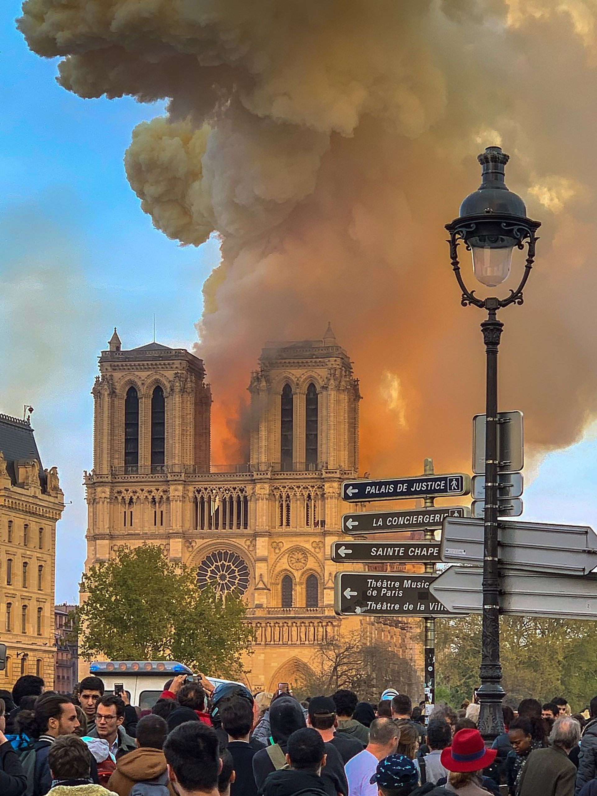 After the Notre Dame fire on 15 April, billionaires and businesses lined up to back the rebuilding campaign Photo: Milliped via Wikicommons