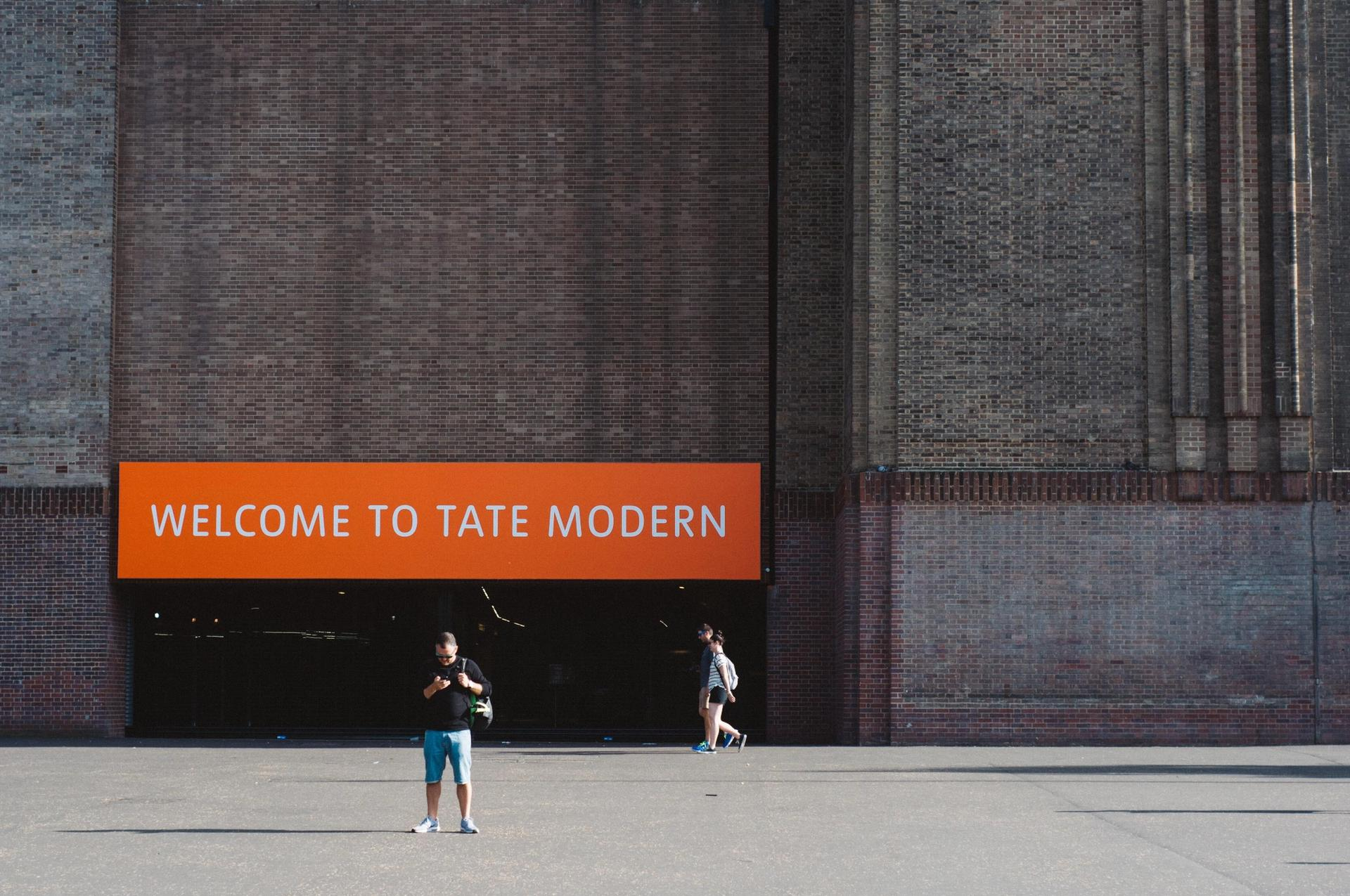 Tate Modern will host a Covid vaccine pop up on Friday © Clifford