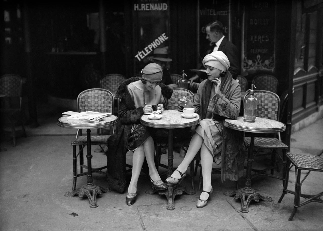 Solita Solano and Djuna Barnes photographed in Paris in 1925 by Maurice-Louis Branger © Maurice-Louis Branger / Roger-Viollet