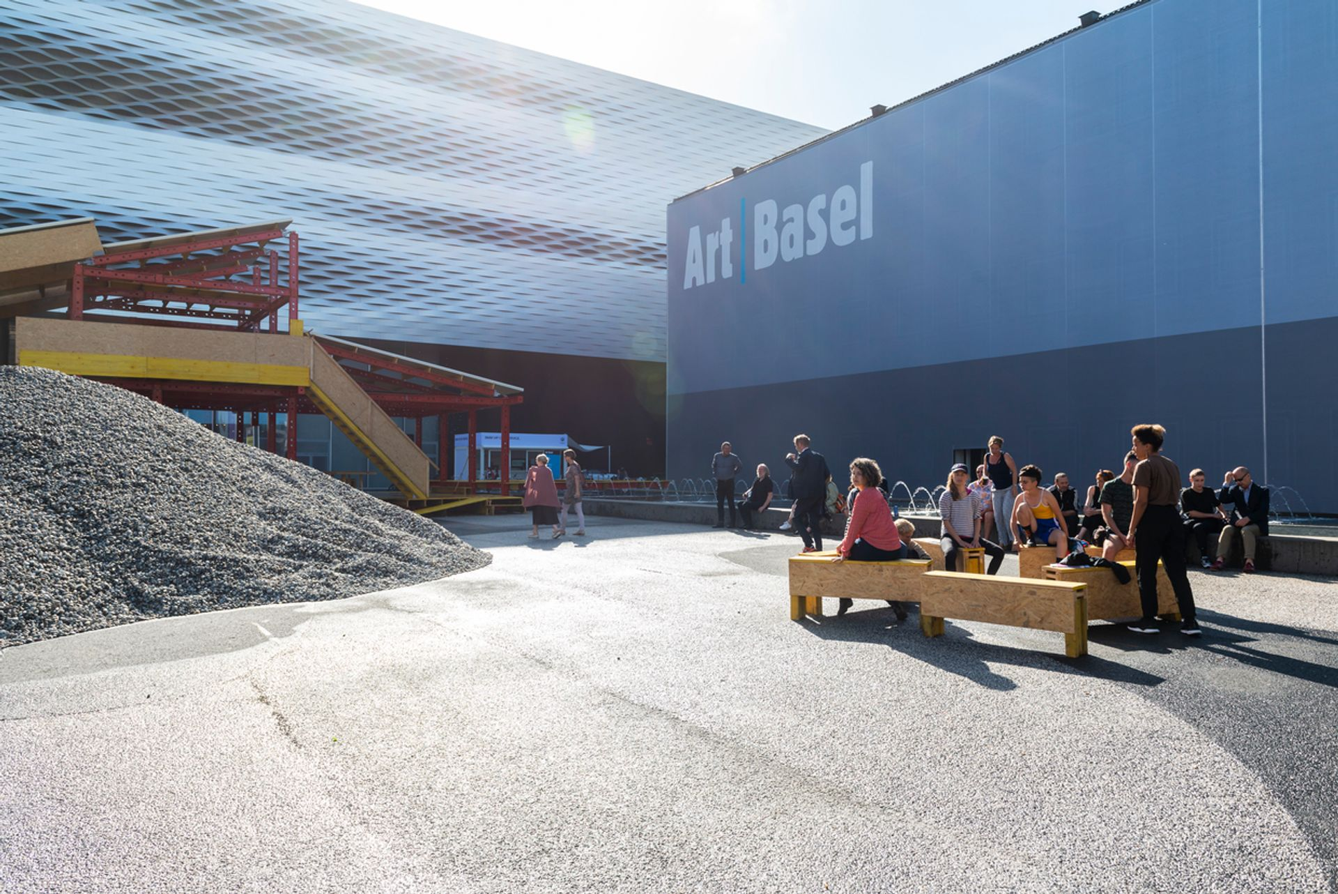 MCH Group said its Baselworld blowout this summer would not affect the Art Basel franchise, though its new investments in regional fairs now hits rock bottom © Art Basel and Creative Time