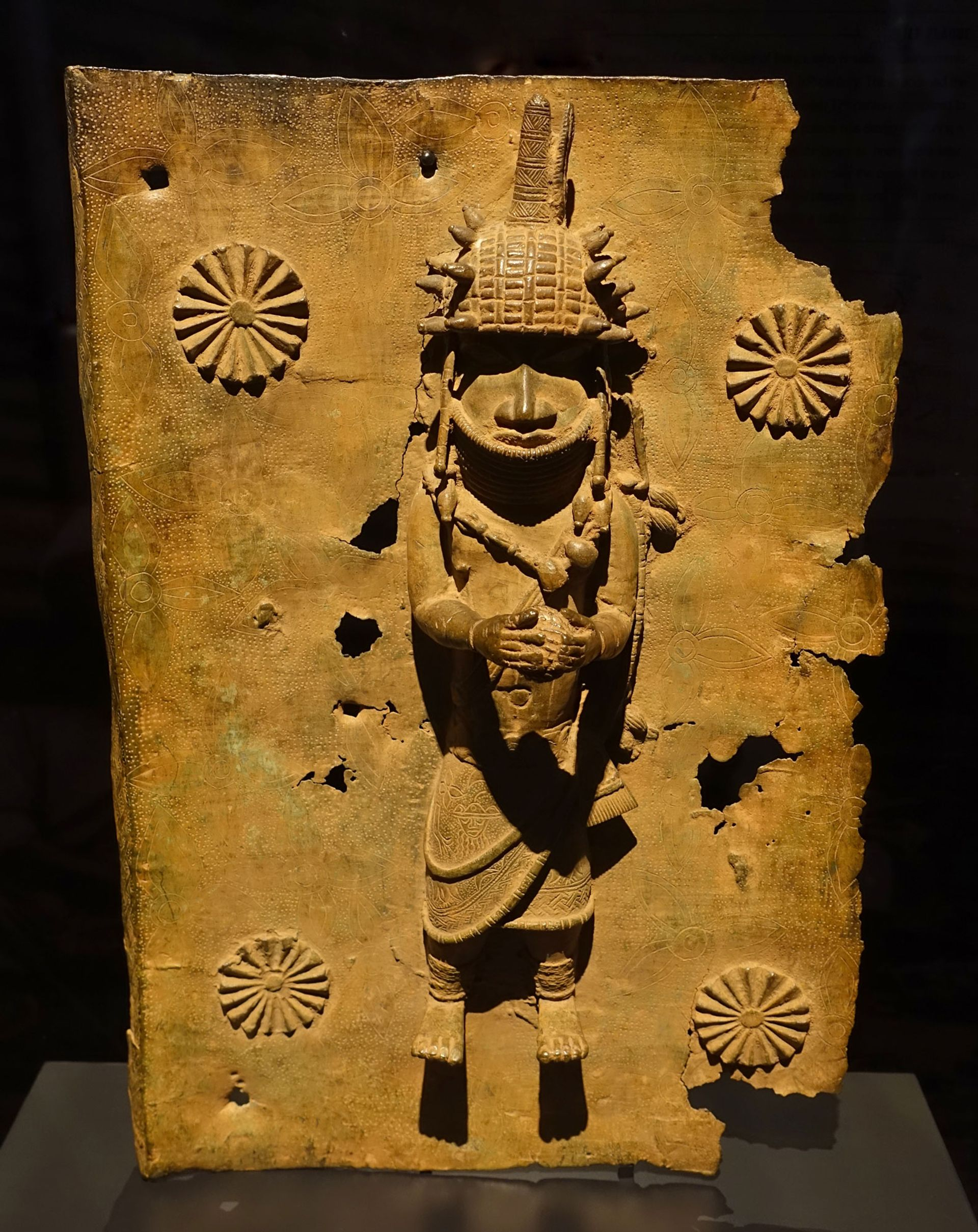 A relief plaque from the royal palace of the Kingdom of Benin, now in the collection of the Rautenstrauch-Joest-Museum of ethnography in Cologne Photo:Daderot