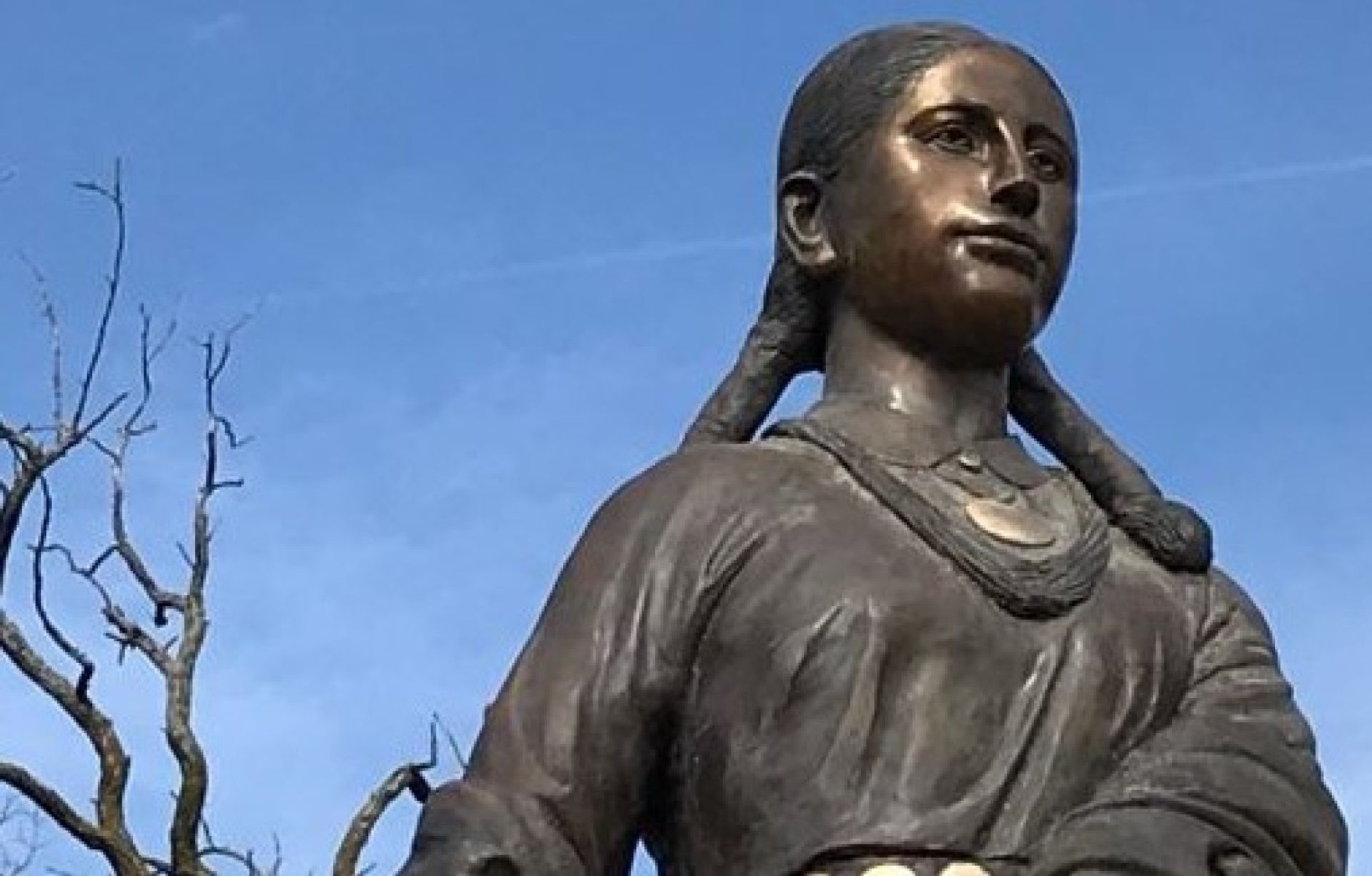 A statue of an Osage woman had been installed last year on a bluff in a Kansas City park Courtesy of the François Chouteau and Native American Heritage Fountain Foundation