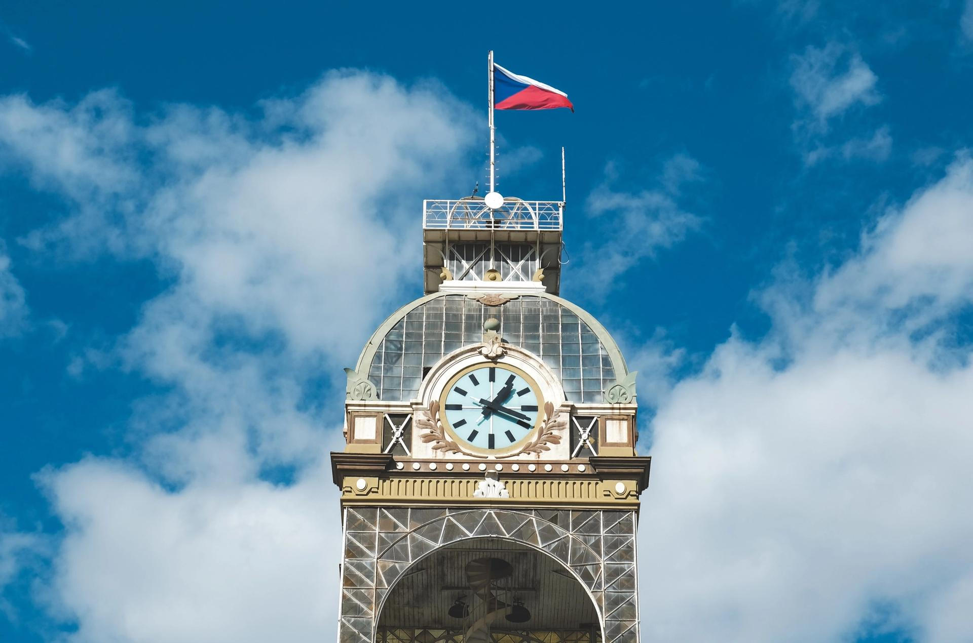 The tower of the Prague Exhibition Center with the Czech flag Photo: Jan Baborák on Unsplash