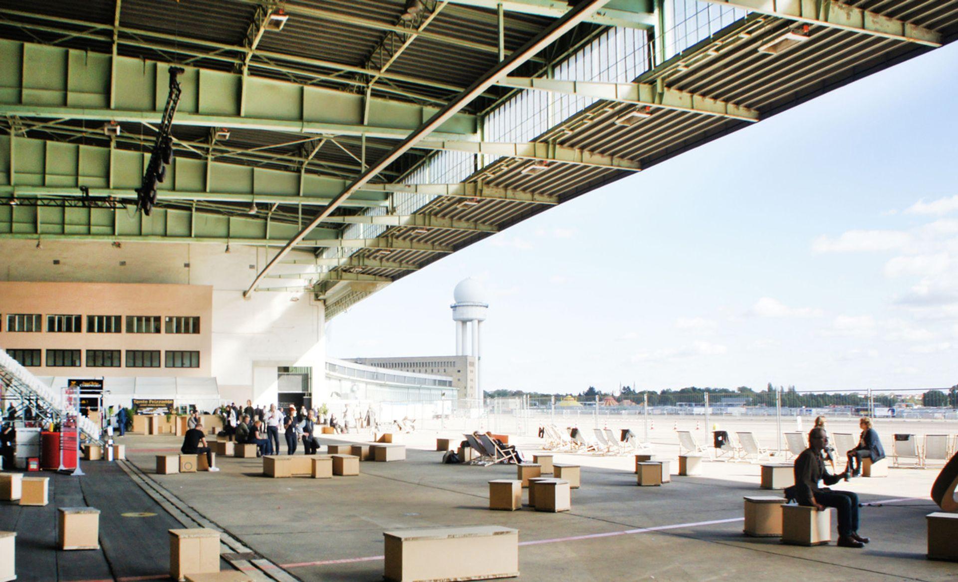 Positions Berlin Art Fair will feature more than 130 exhibitors at Tempelhof Airport Hangar 3-4 © Positions Berlin Art Fair