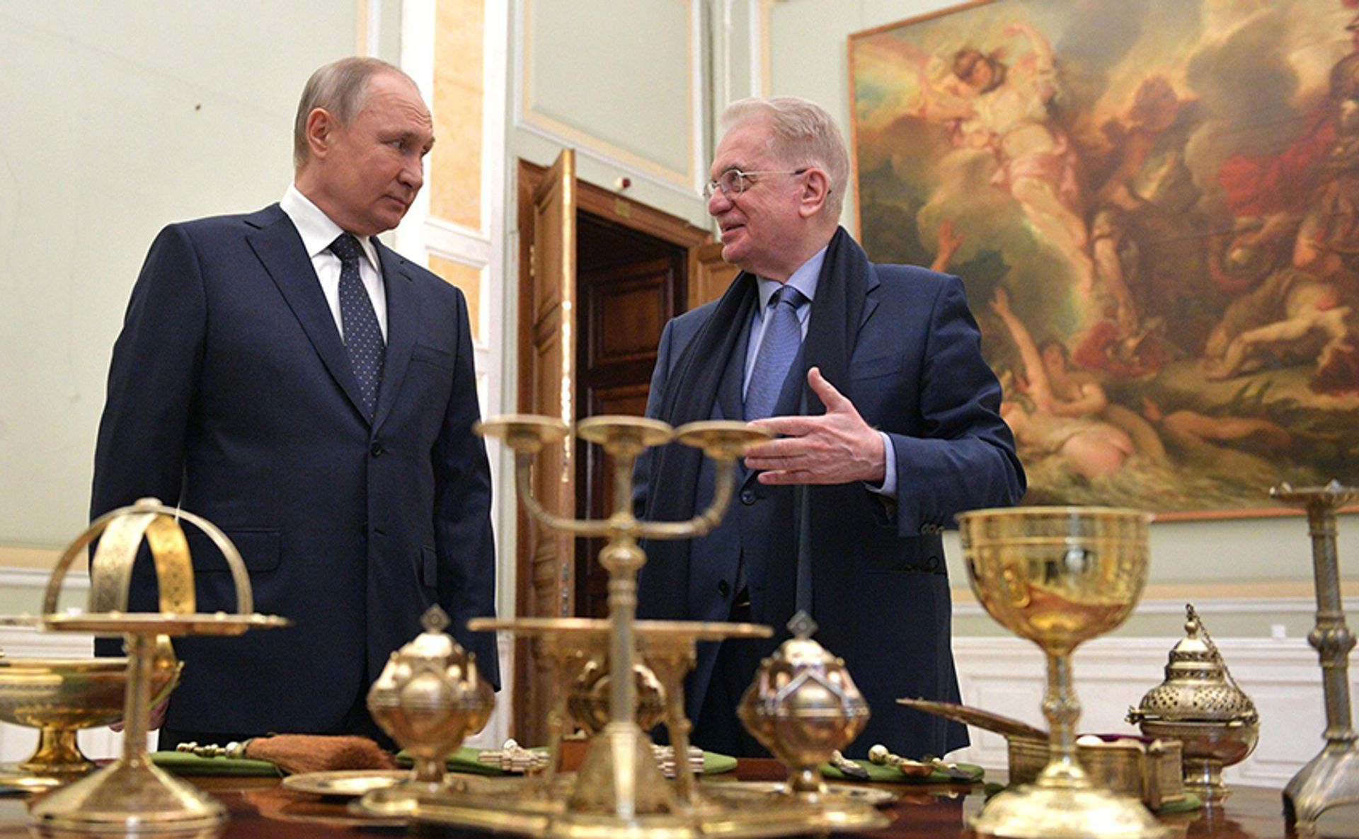 In April, Russian president Vladimir Putin handed over to Hermitage Museum director Mikhail Piotrovsky a set of church utensils made in St Petersburg in 1877 on commission by the imperial court of Russia for Grand Duchess Maria Alexandrovna © Russian Look Ltd. / Alamy Stock Photo