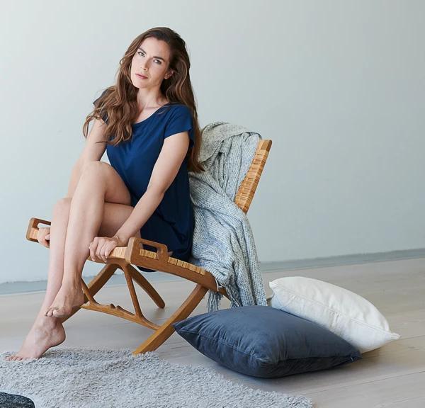 Model trägt Balance Sleepshirt