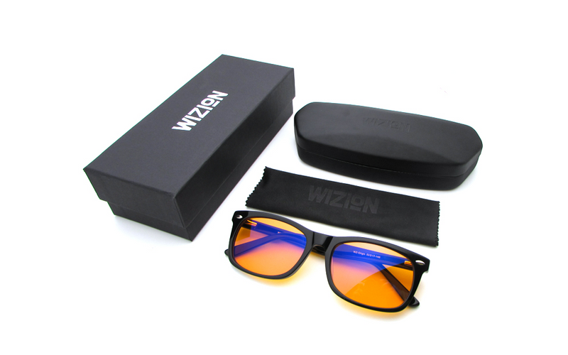 Blaulichtfilterbrille, Geschenkbox, Etui und Brillenputztuch