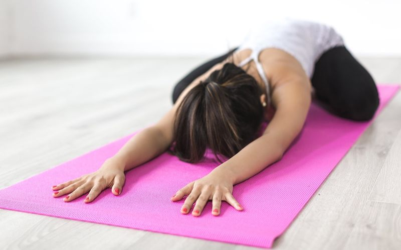 Frau macht Yoga, Gut bei Schichtarbeit