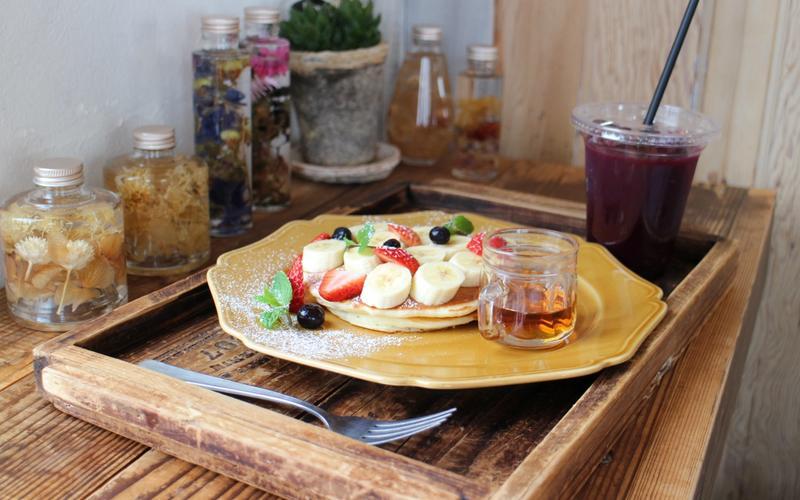 Kater was hilft Frühstück Obst gesund