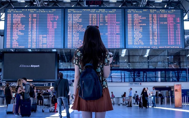 Kapselhotels Flughafen Frau