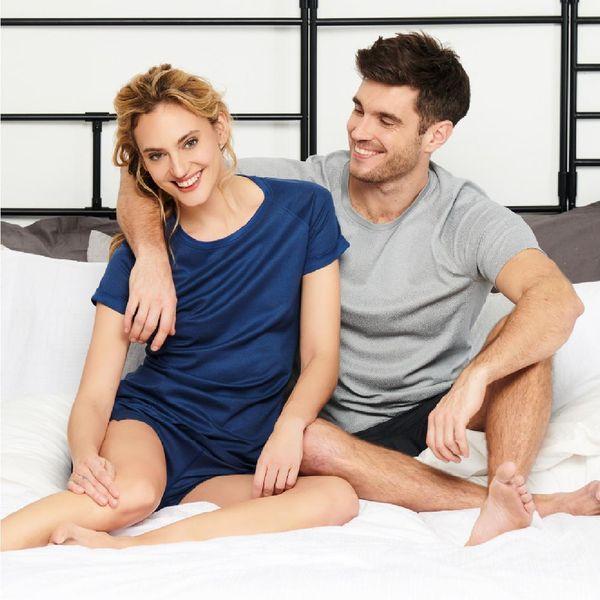 Paar mit Dagsmejan-Schlafkleidung