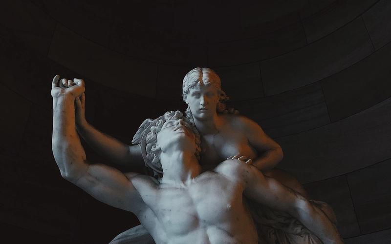 Statue: Hypnos, Flügel.
