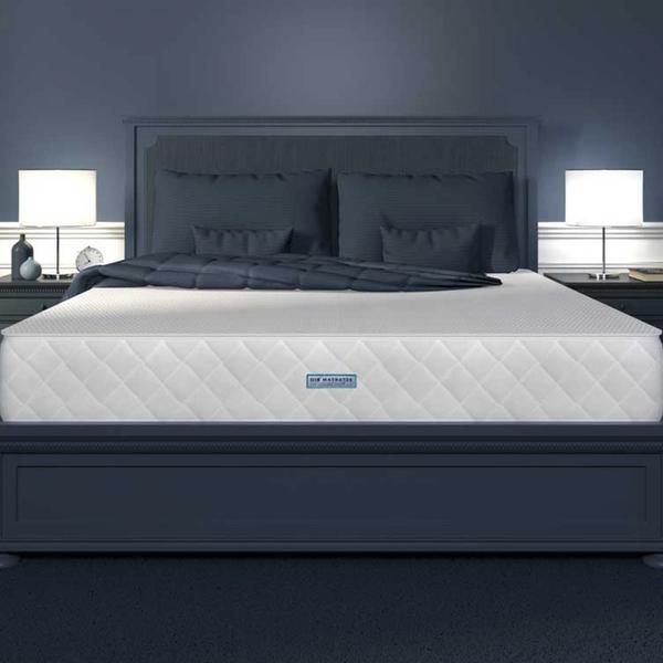 Bett mit der Matratze von Weltbett