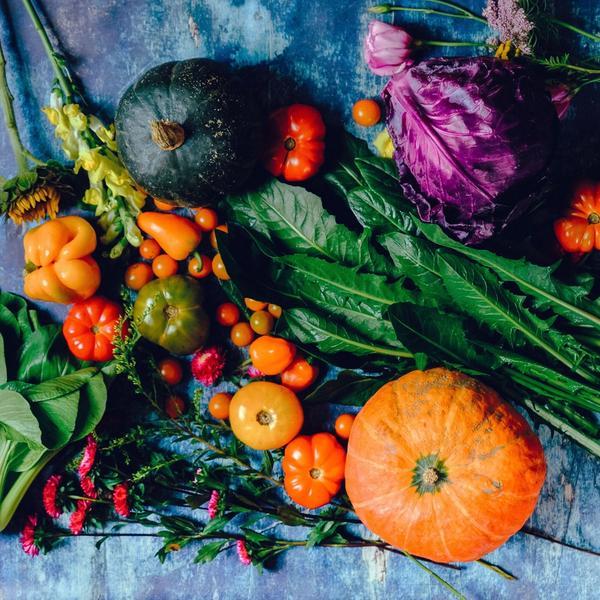 Lebensmittel für besseren Schlaf; gesundes Essen bunt