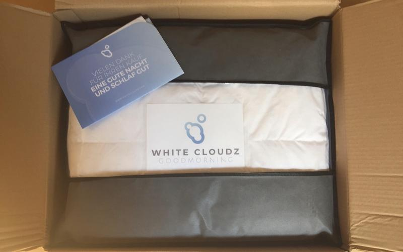 Unboxing White Cloudz