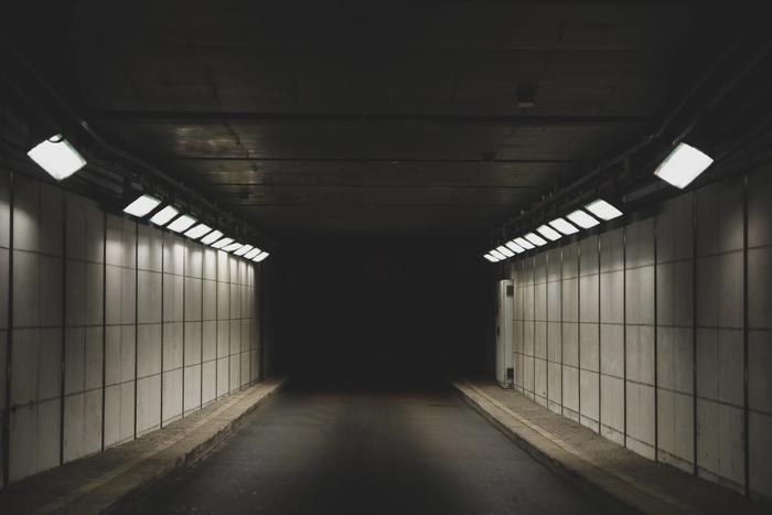Grauer Tunnel: Alpträume