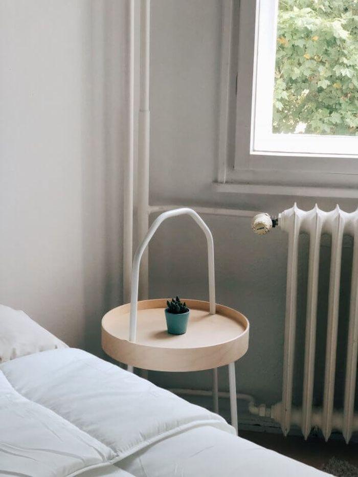 Schlaftipps: Heizung an oder Fenster auf?