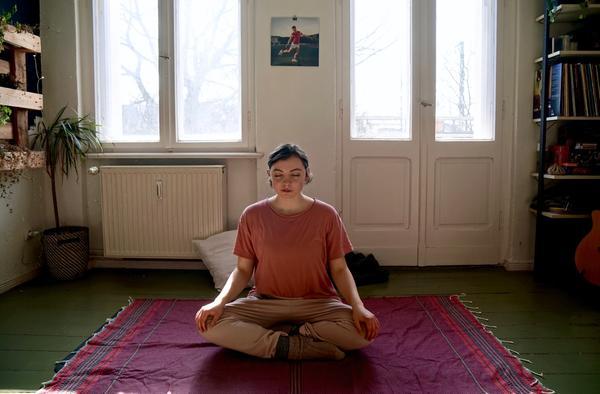 Yoga mit Amber - Lotussitz