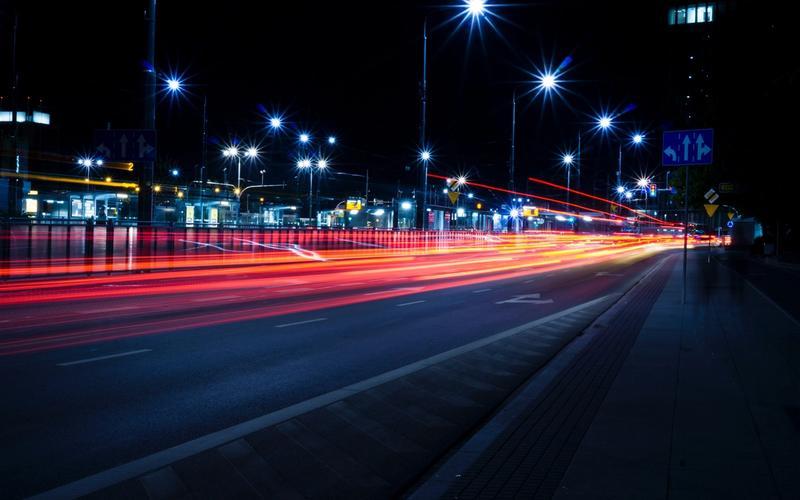 Blaulichtfilter-Brillen im Straßenverkehr